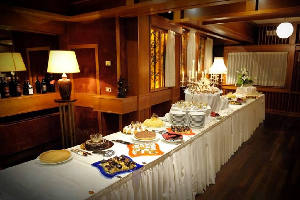 Buffet Di Dolci Mignon : Buffet di dolci hotel ristorante aldo moro
